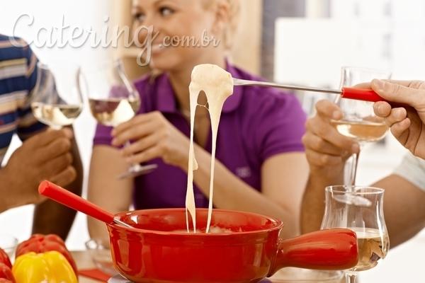 Como organizar uma noite de fondue