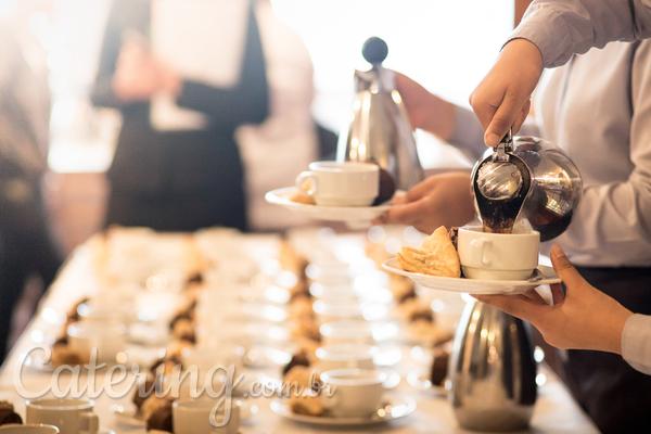 Como organizar um café da manhã na empresa